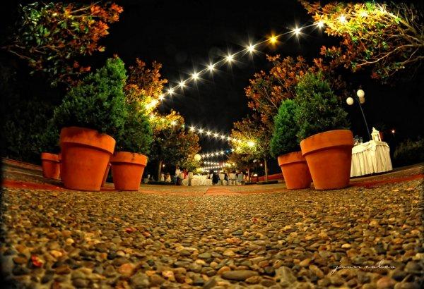 Ideas para iluminar tu boda de noche
