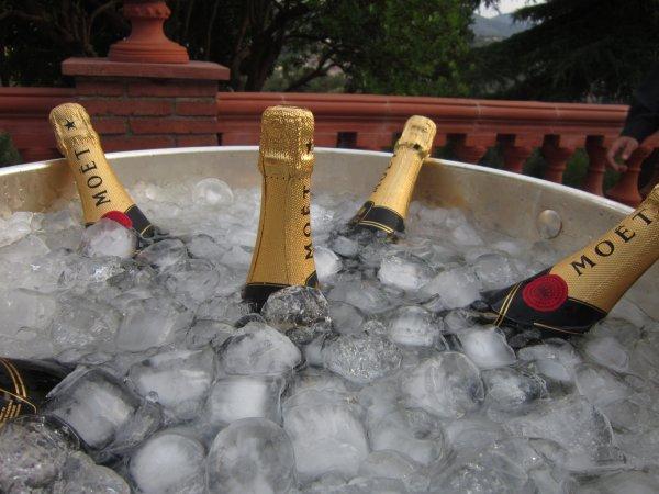 Os gustaría una barra de Moët & Chandon el día de vuestra boda en Barcelona?