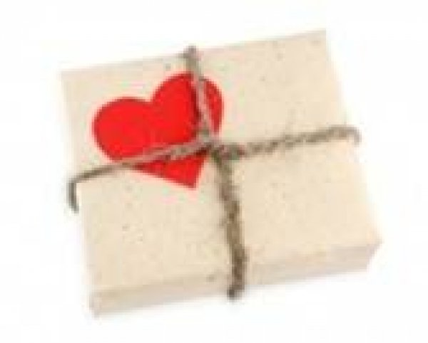 ¡Entrega un regalo solidario a todos tus invitados!