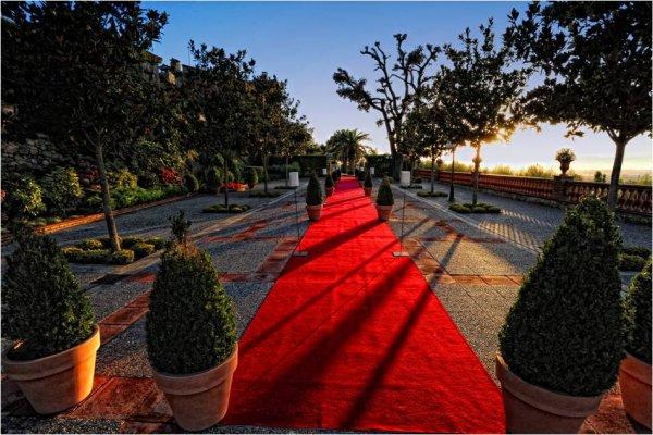 ¡Decora tu boda con alfombra roja!