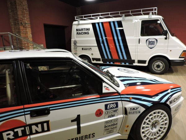 LEGENDS PACK:  Lancia EVO Rallye  +  Fiat 242 Asistencia Réplica