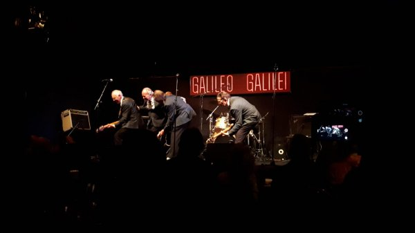Galileo Galilei Los Sirex 'Que nos Quiten lo Bailao'
