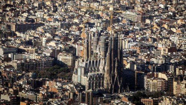 ¿Adiós burbuja? El precio de la vivienda baja en Barcelona y se frena en Madrid