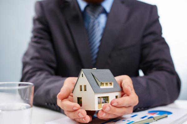 Ojo con donar una vivienda a un hijo menor de edad si tienes deudas: el Supremo le exigirá saldarlas